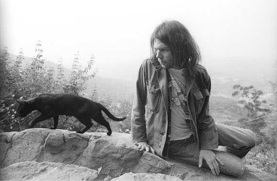 Neil_Young-1975-Henry_Diltz-3