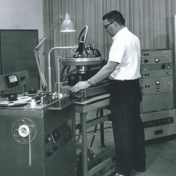 Mid-Century-Sounds-Vinyl-Dave